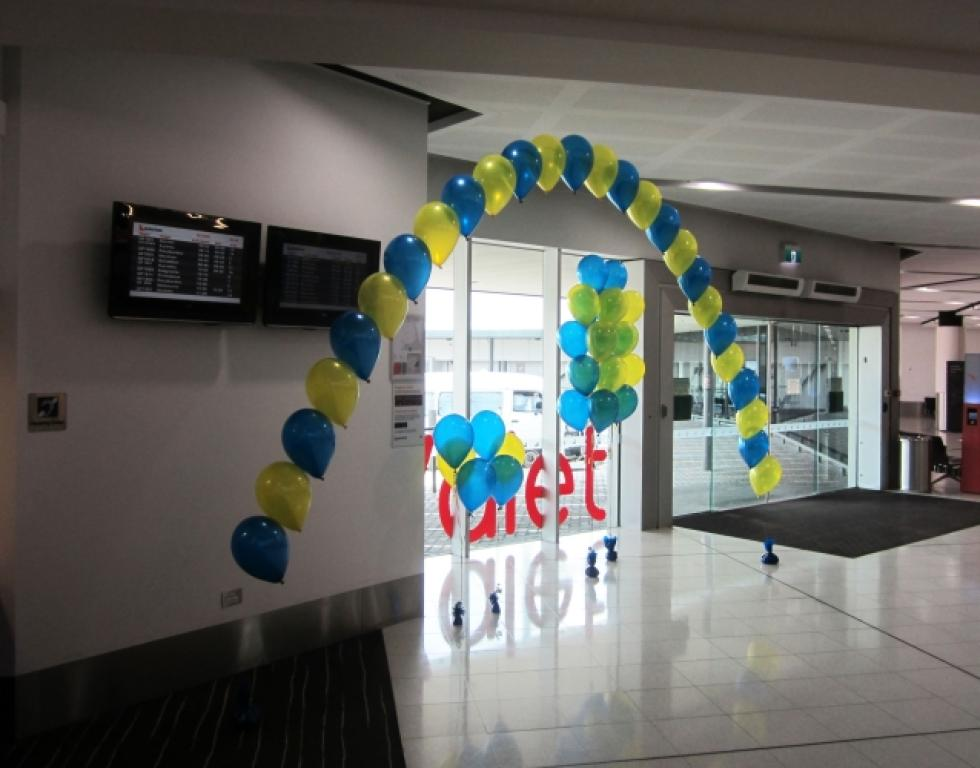 Metallic Blue & Yellow Balloon Arch Perth Domestic Airport | www.CorporateRewards.com.au