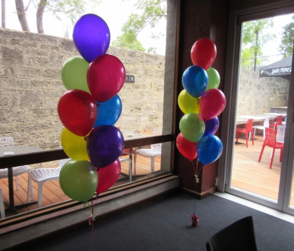 Colourful 9 Balloon Floor Arrangements The Bassendean Hotel | www.CorporateRewards.com.au