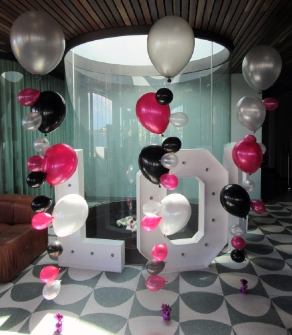 Balloon Buble Strands | Magenta, Black & Silver Balloons The Raffles Hotel | www.CorporateRewards.com.au