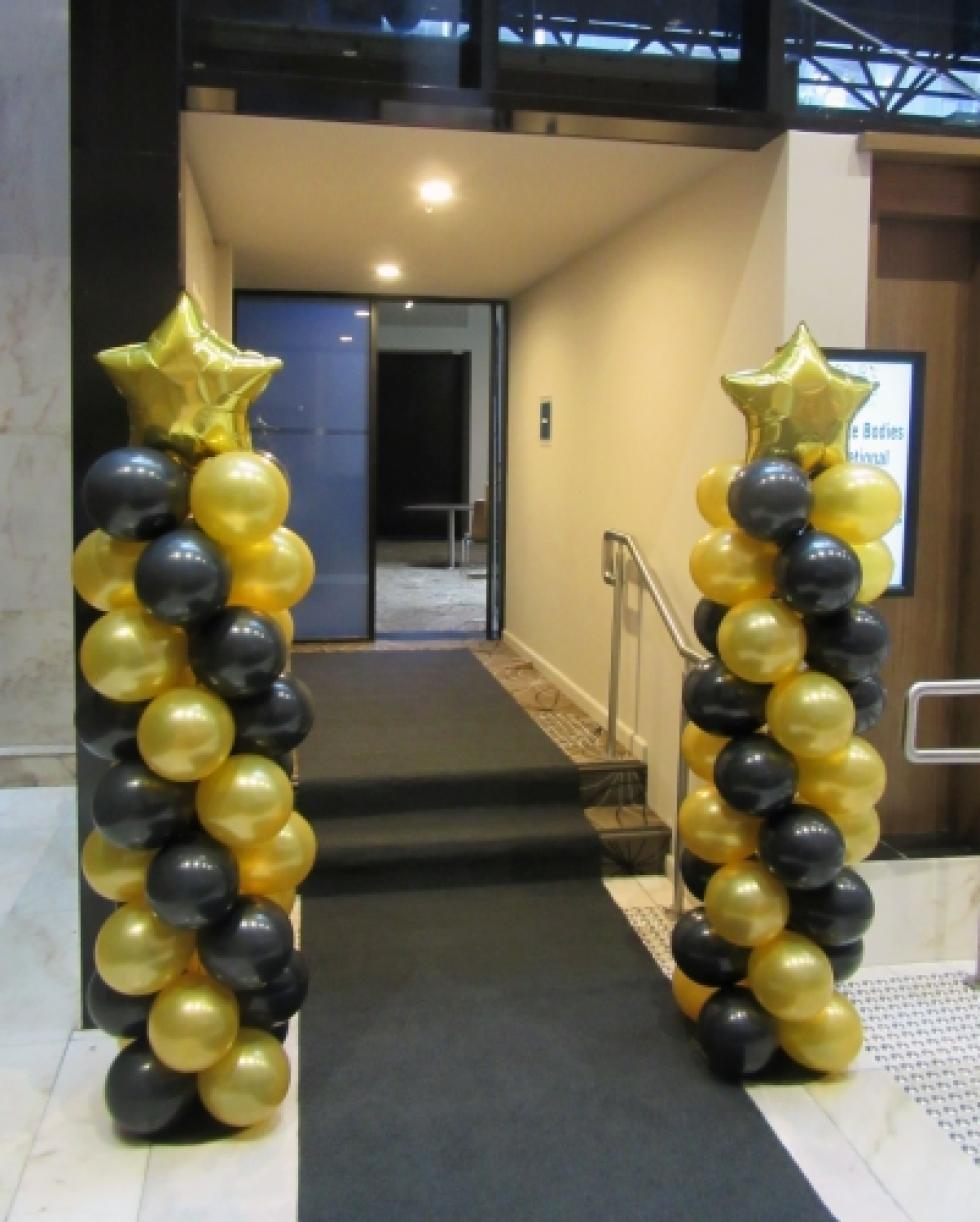 Black and Gold Balloon Columns with Star Topper | 4 Points sheraton Hotel www.corporaterewards.com.au