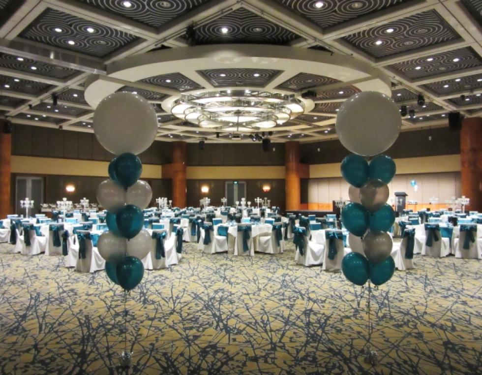 Ballroom entrance balloon arrangements Grandballroom Hyatt Hotel Perth | corporaterewards.com.au