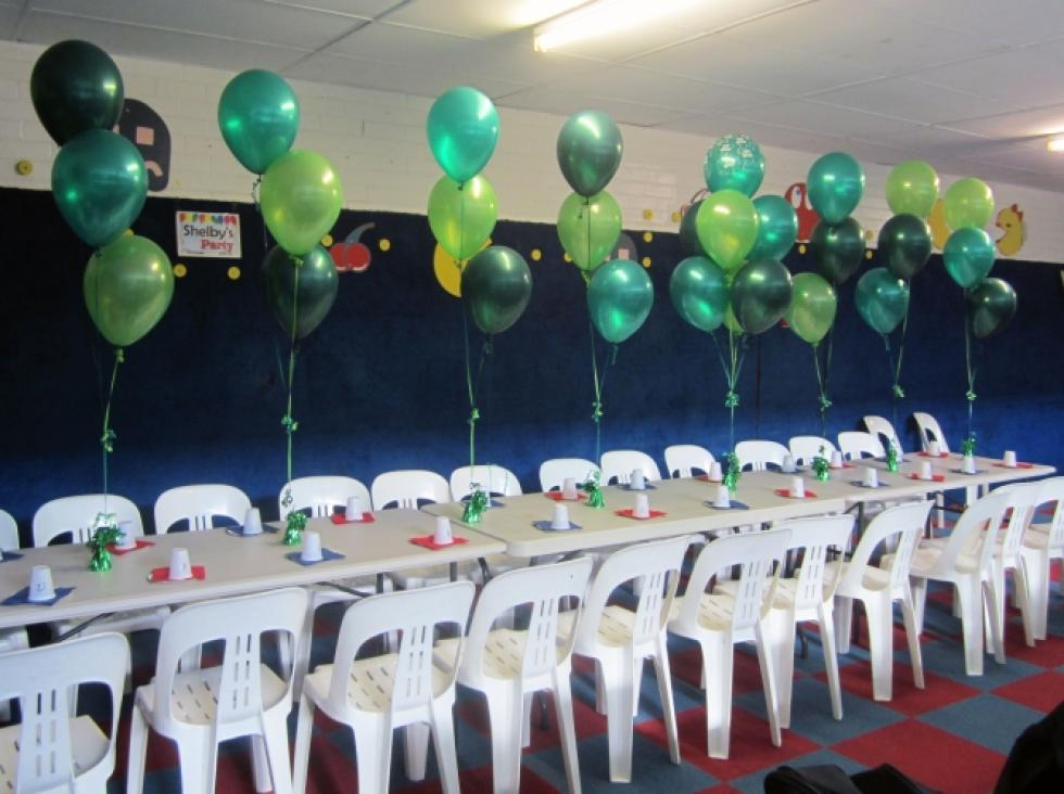 Helium Balloon Table Arrangements | Emerald, Forest & Lime Green Helium Latex Balloons Morley Rollerdrome | CorporateRewards.com.au