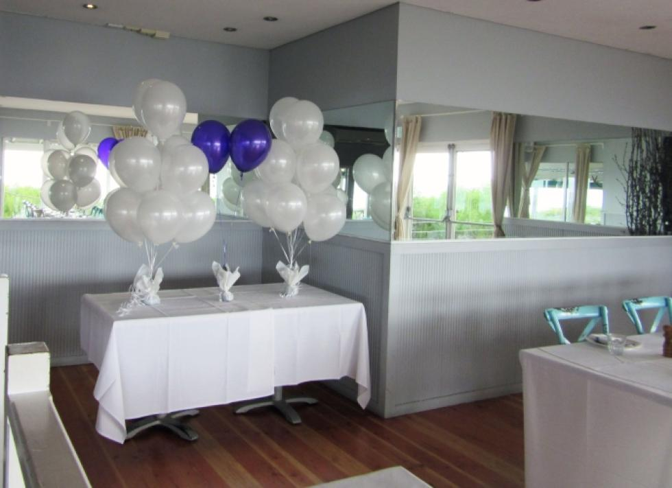 Pearl White Wedding Ceremony Balloons Salt on the Beach | www.CorporateRewards.com.au