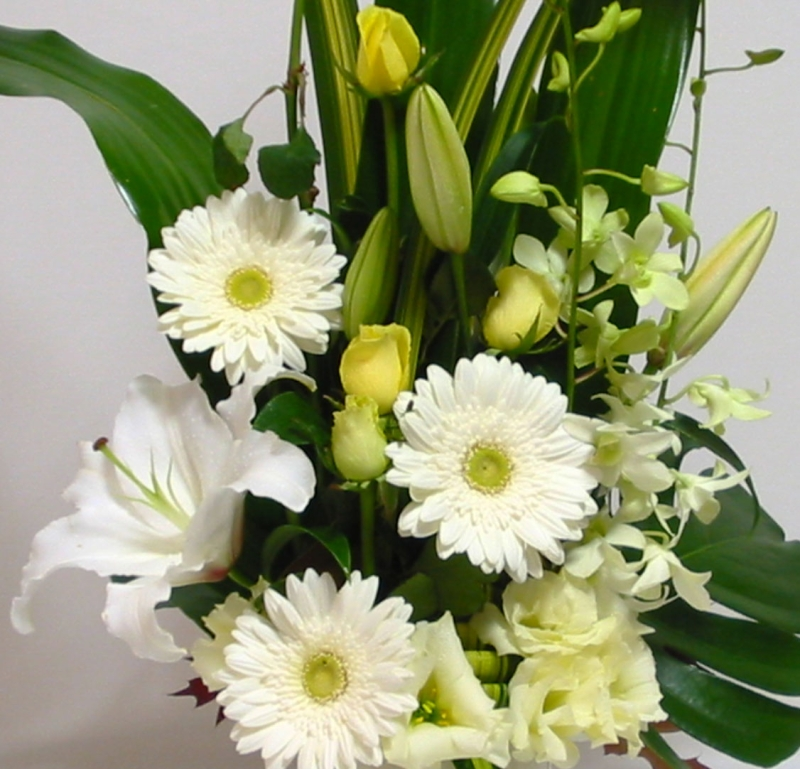 Sympathy Flower Baskets Delivery : Flower delivery perth sympathy flowers floral bouquets