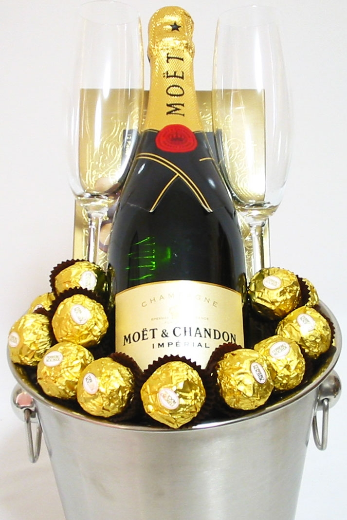 Moet Champagne Gifts Gift Hampers Perth Gift Baskets Moet Chandon Champagne Cheers Ice Bucket Gifts Same Day Delivery In Perth